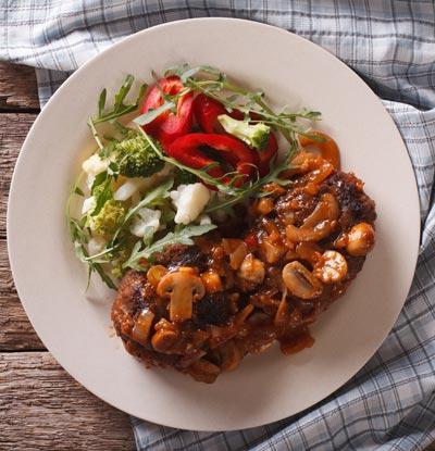 Steak salad with mushroom