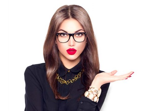 Look Good With Glasses!! Tips on Eye Makeup For Glasses Wearers