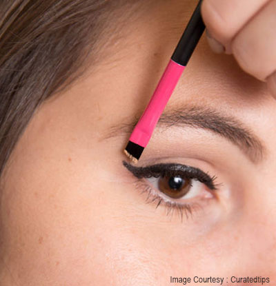 eyeliner mistakes quickly using concealer