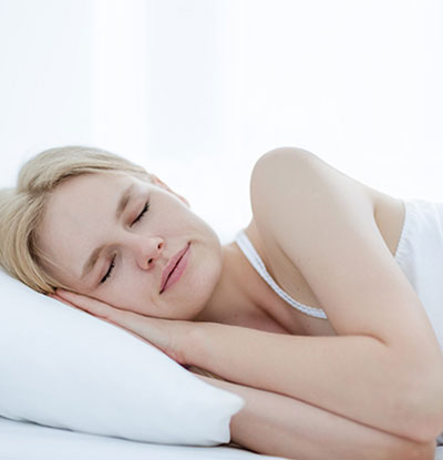 Sleeping on the side will lead to unevenly sized breasts