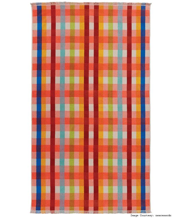 4.-Plaid-beach-towel