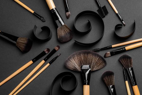 mini-use-of-make-up-3
