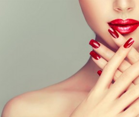 Brittle Nail Causes: Why Do My Nails Break and How To Prevent It?