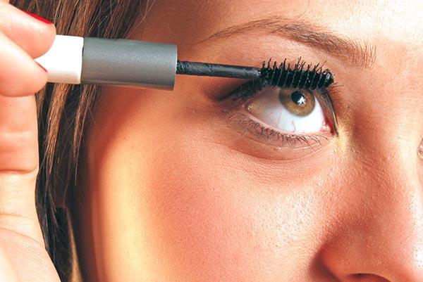 curly-eye-lashes-4