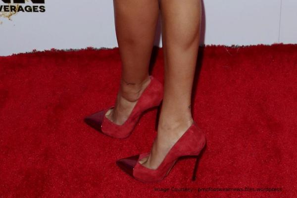 hailey-baldwin-sandals