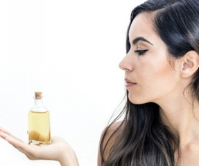 7 Proven Benefits Of Castor Oil For Hair Care And How To Use It