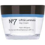 NO7 Lift & Luminate Day Cream SPF 15 Review