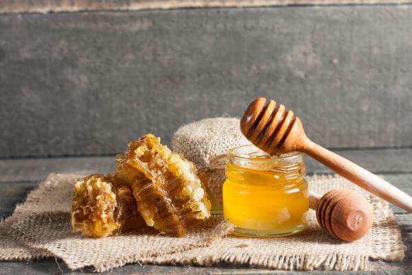 Honey To Treat Pimple