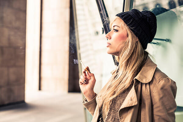 girl-smoking