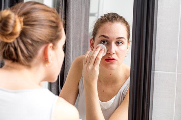 Women Removign Makeup